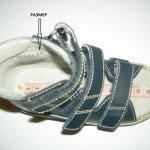 Як вибрати першу дитячу взуття