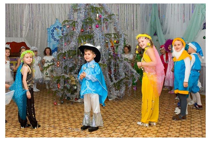 Новорічні сценарії для дитячого садка-6