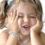 Чому дитина часто моргає?