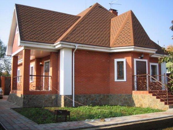 Будівництво цегляних будинків: переваги та недоліки