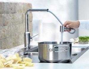 Як встановити на кухні змішувач