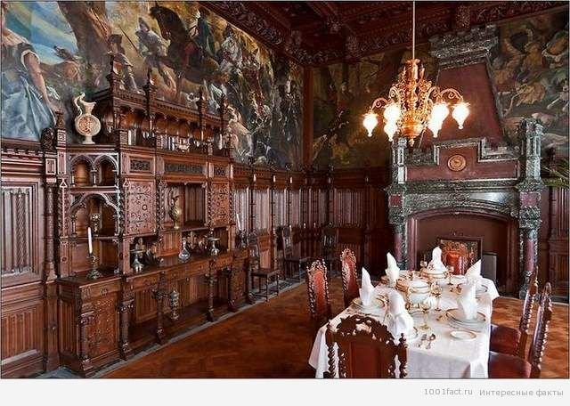 Про замок Драхенбург